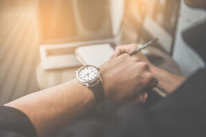 8 Ways to Overcome Time Tracking Errors Manually