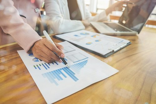 4 Factors to Consider When Evaluating Human Capital Management Software
